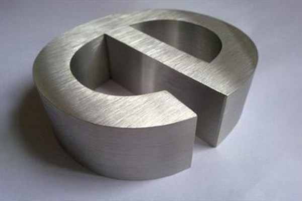 laser cutting on stainless steel 2