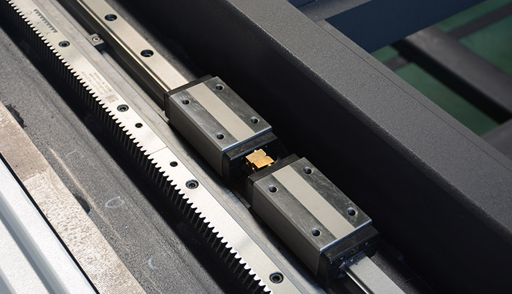 rack and rail of the fiber laser cutter