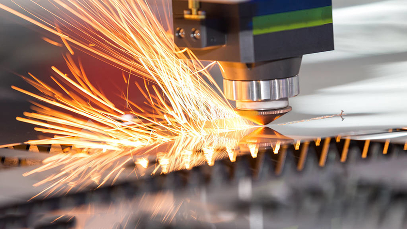 What shielding gas should I use for laser welding? Side blow or coaxial blow?