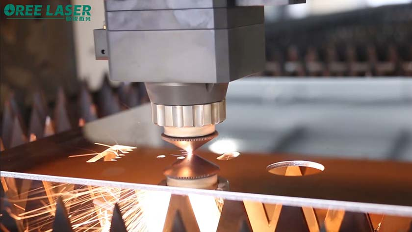 How to maintain the optical lens of the laser cutting head?
