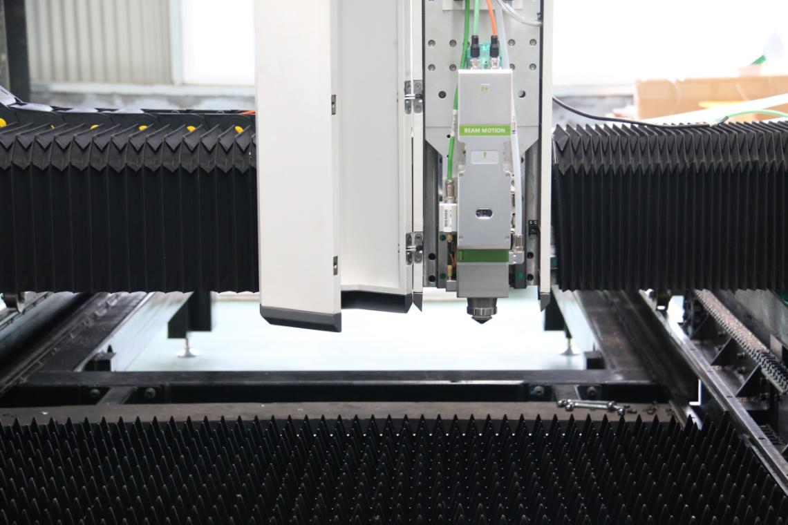 Comparison of traditional cutting technology and laser cutting technology(图4)